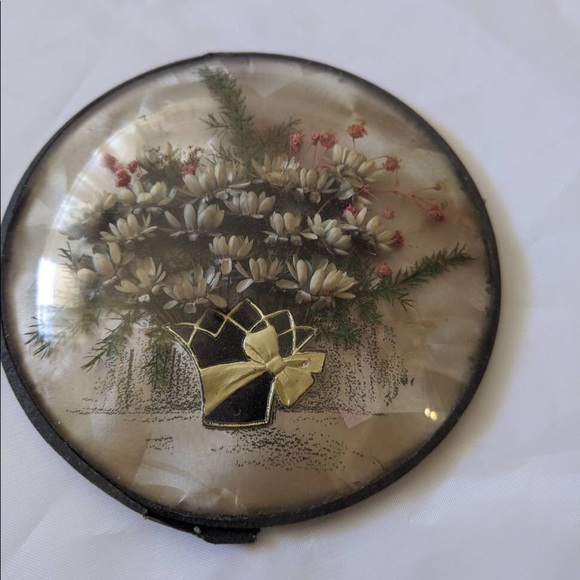 Vintage Other - Vintage dried flowers in a convex frame